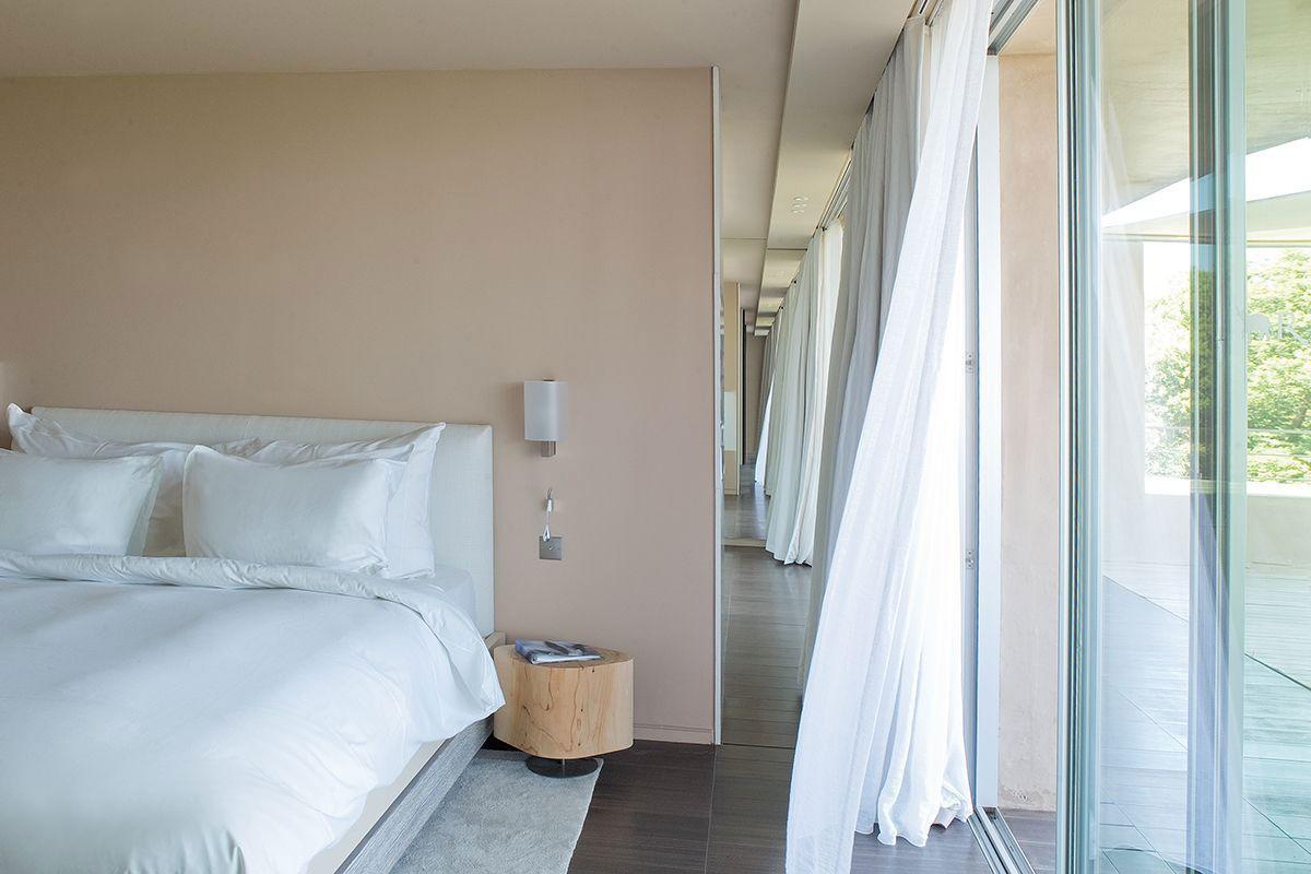 Hotel-La-Reserve-32