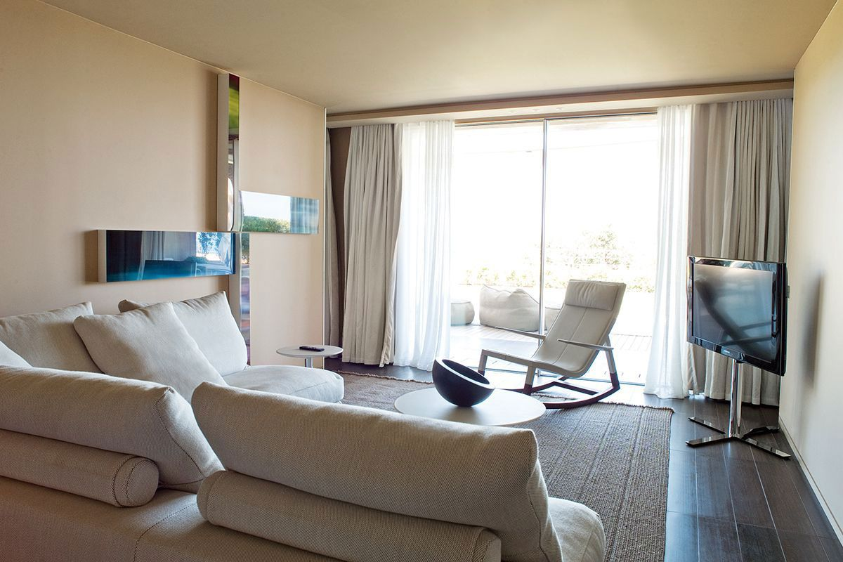Hotel-La-Reserve-35