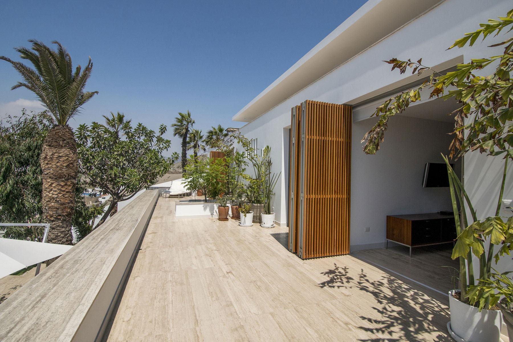 House in Ancón by Adrián Noboa Arquitecto-03