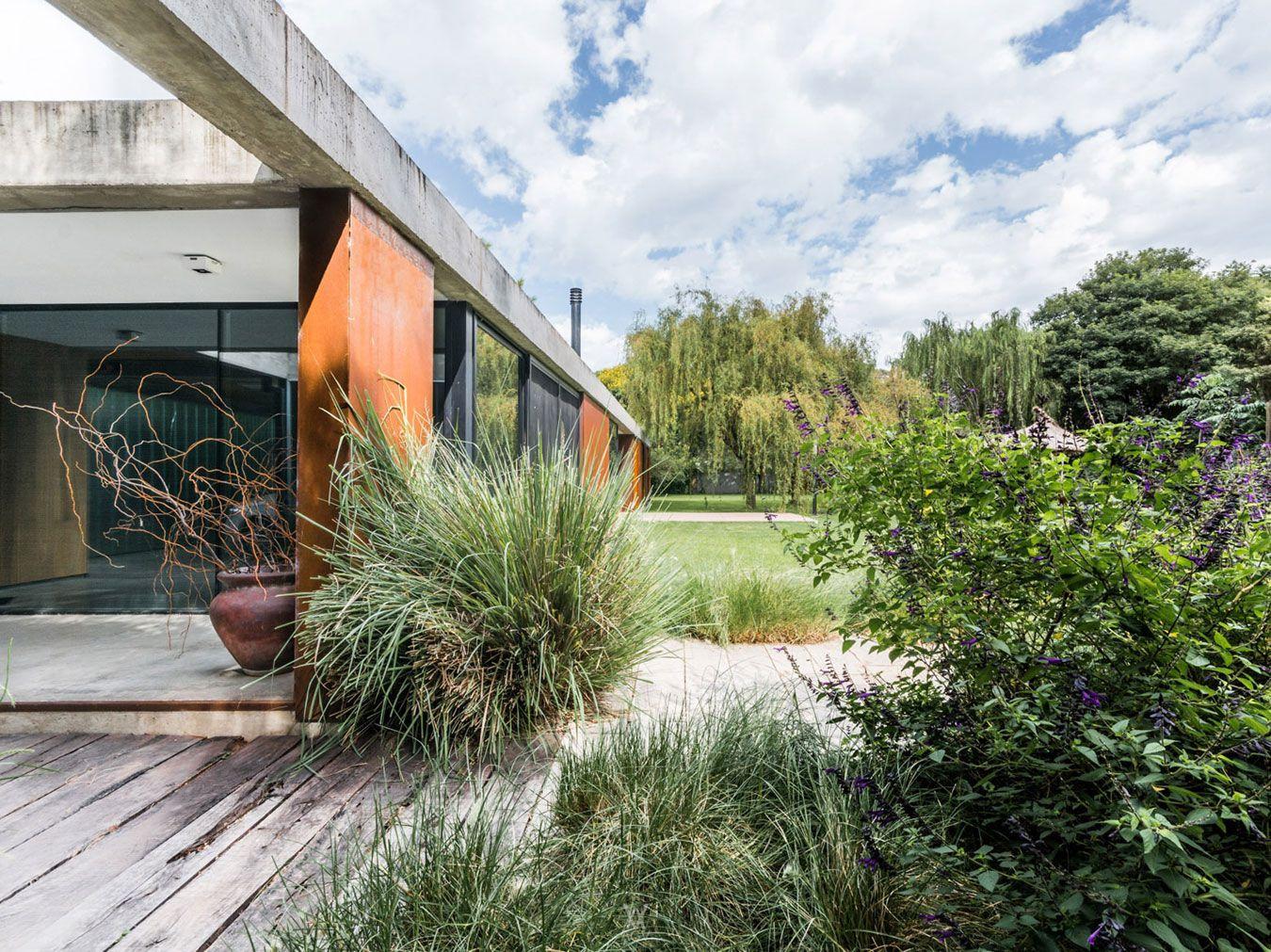 Linear-House-07