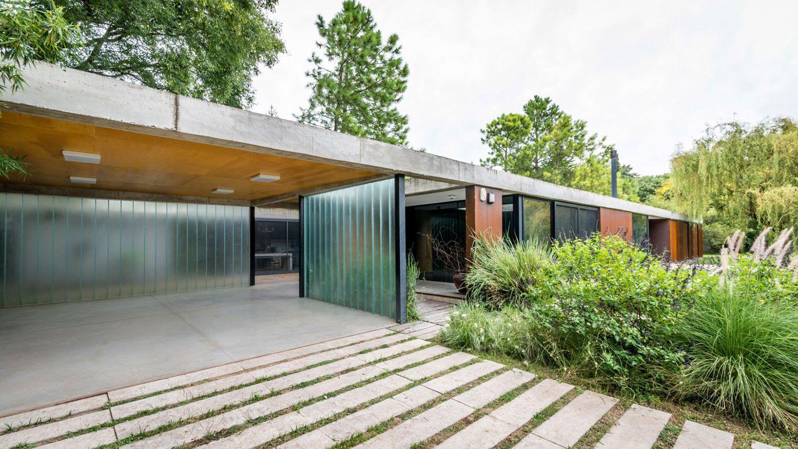 Linear house by roberto benito caandesign architecture - Cubiertas para casas ...