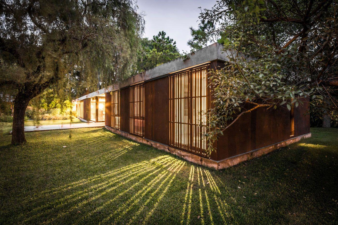 Linear-House-13