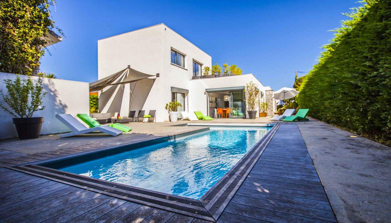Luxury Villa Pop Art in Anglet-01