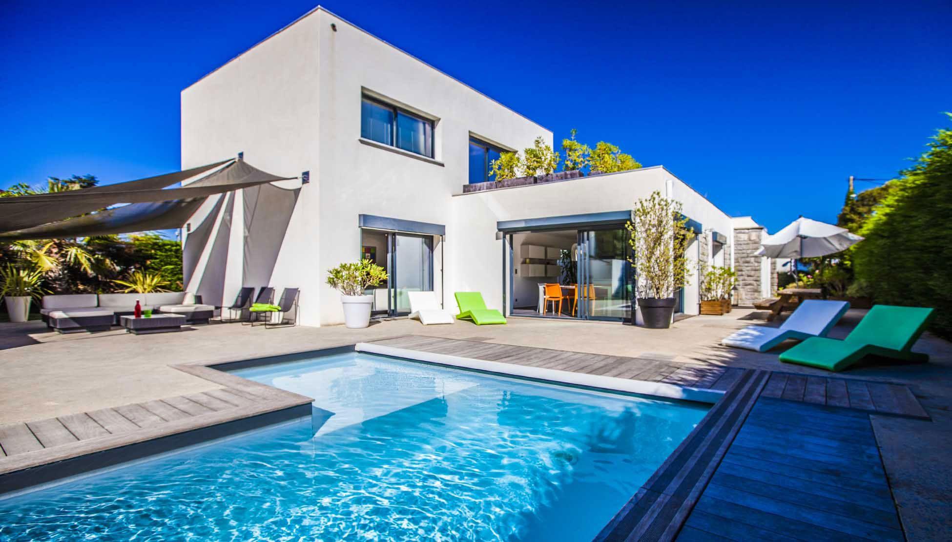 Luxury Villa Pop Art in Anglet-02