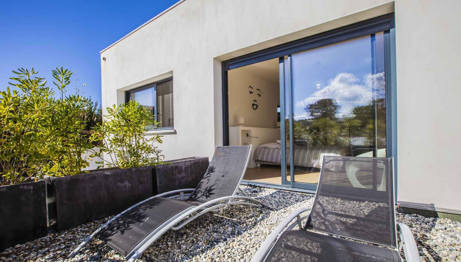 Luxury Villa Pop Art in Anglet-06