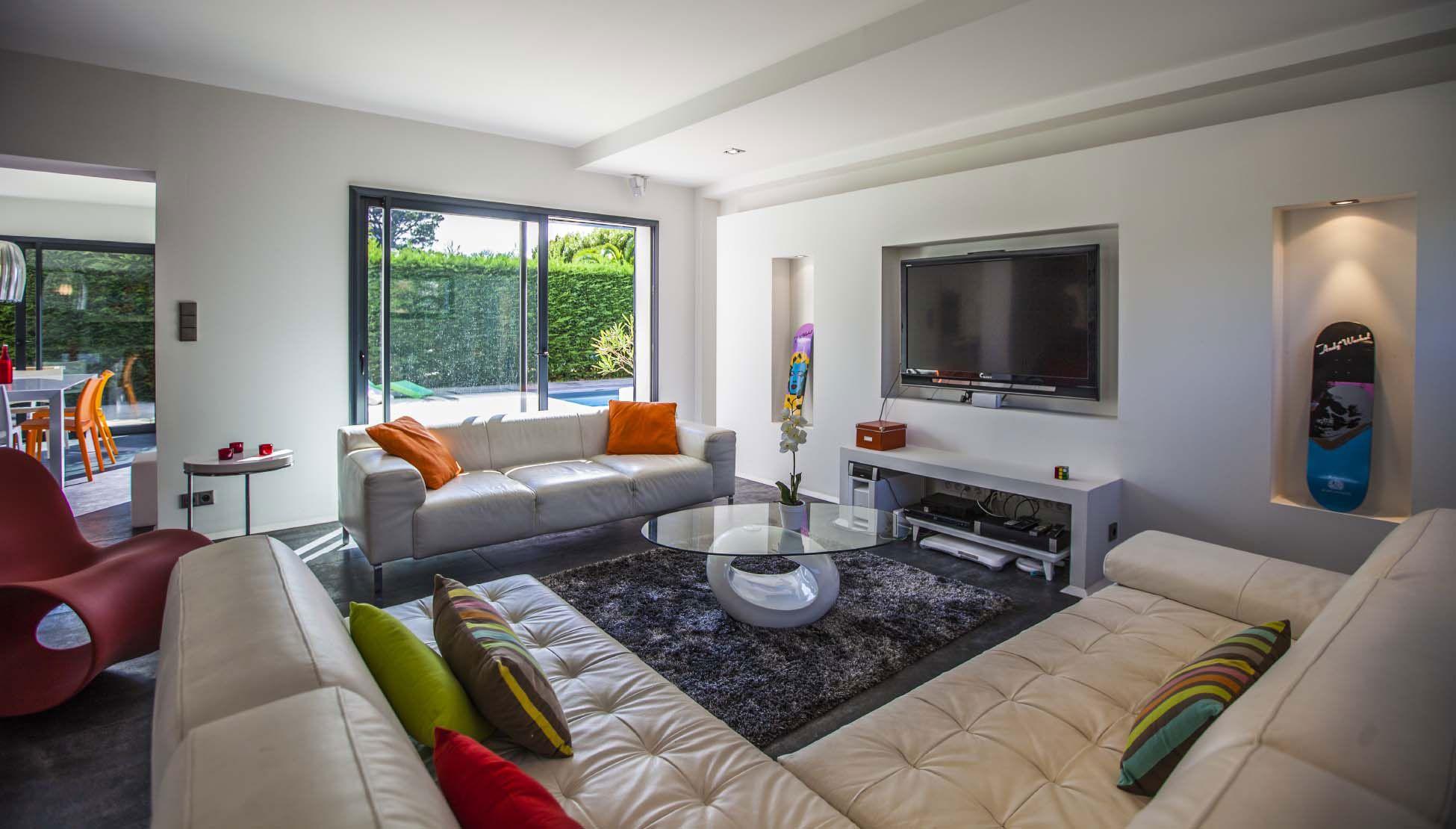 Luxury Villa Pop Art in Anglet-09