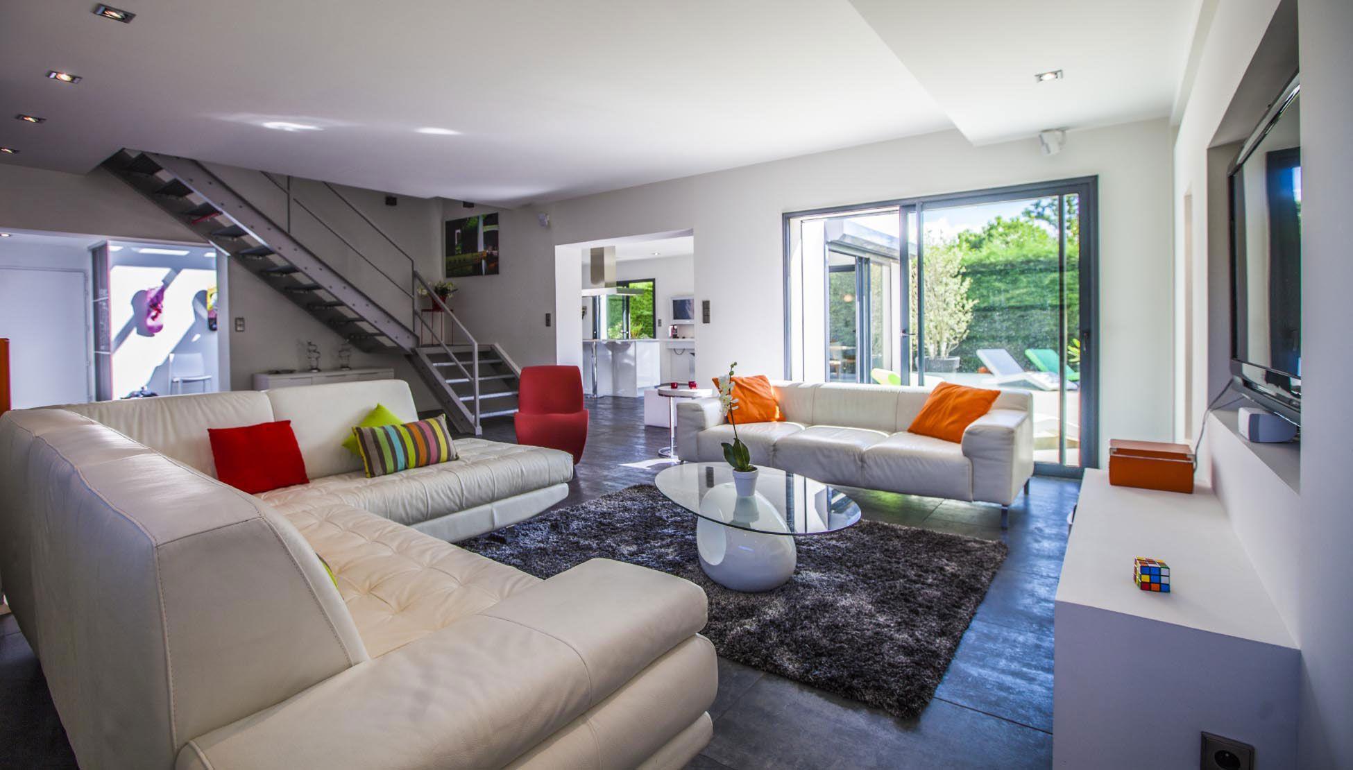 Luxury Villa Pop Art in Anglet-11