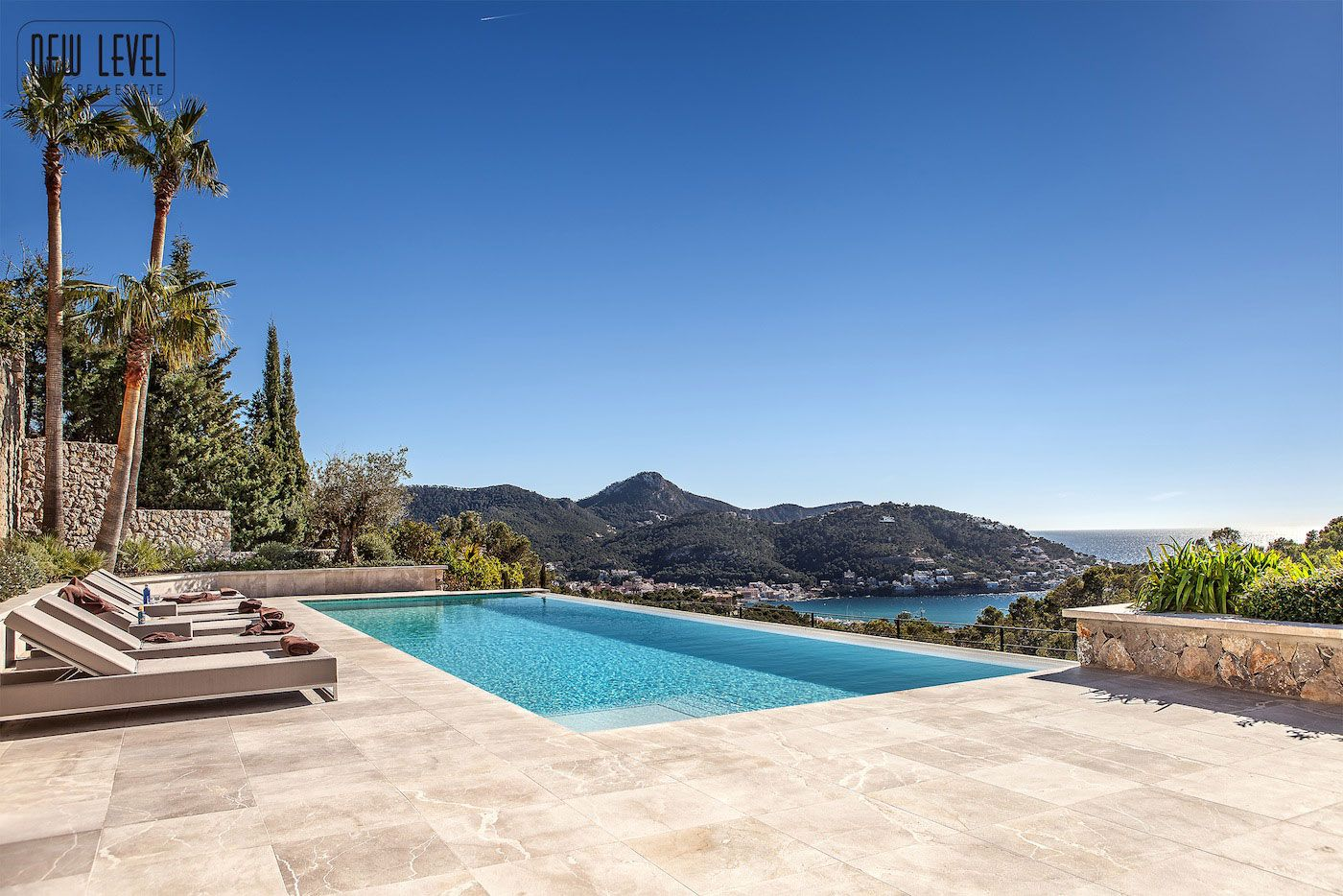Luxury Villa With Fantastic Views Over the Hills of Mallorca-05