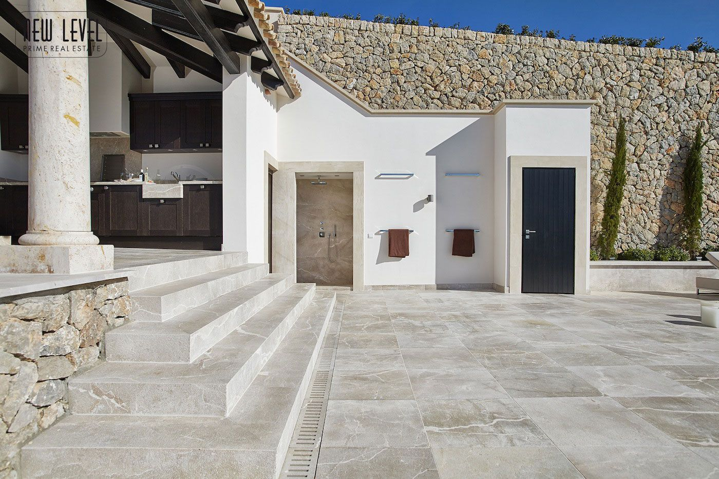 Luxury Villa With Fantastic Views Over the Hills of Mallorca-07