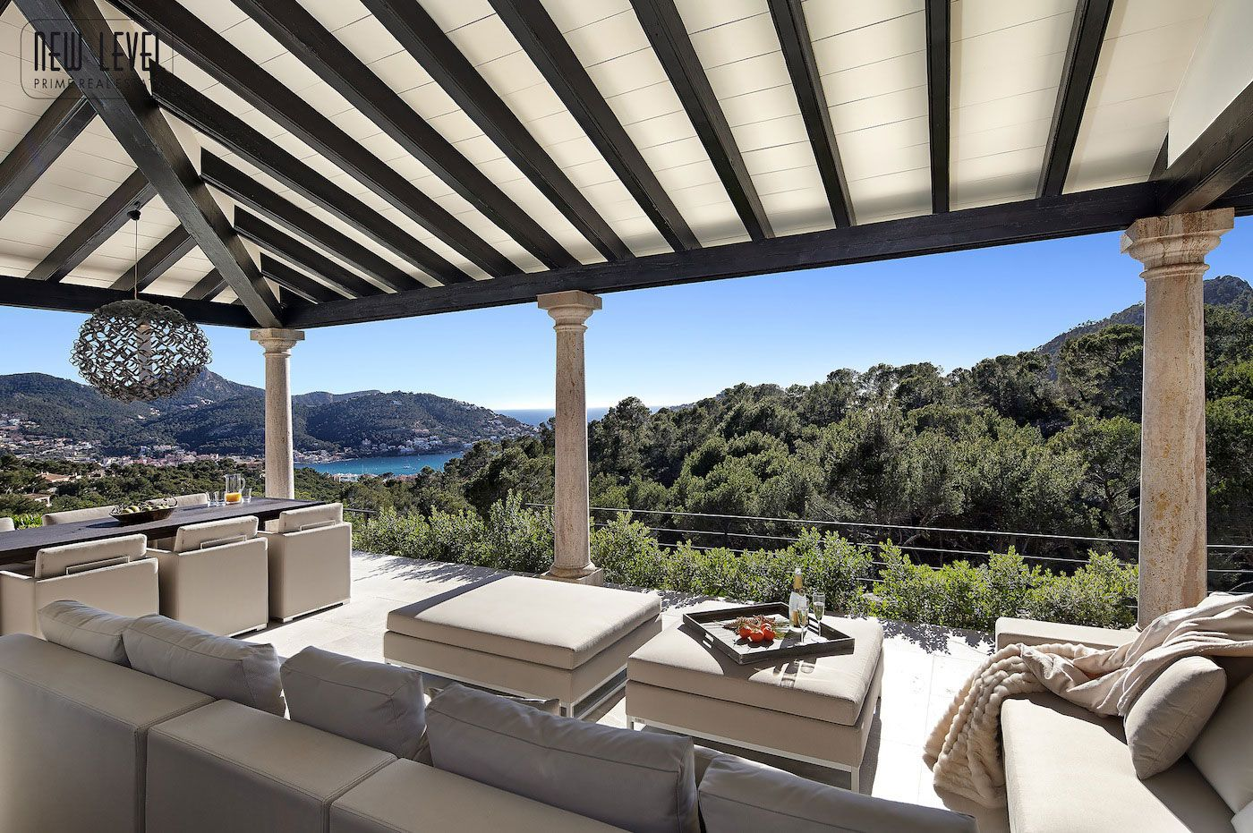 Luxury Villa With Fantastic Views Over the Hills of Mallorca-09