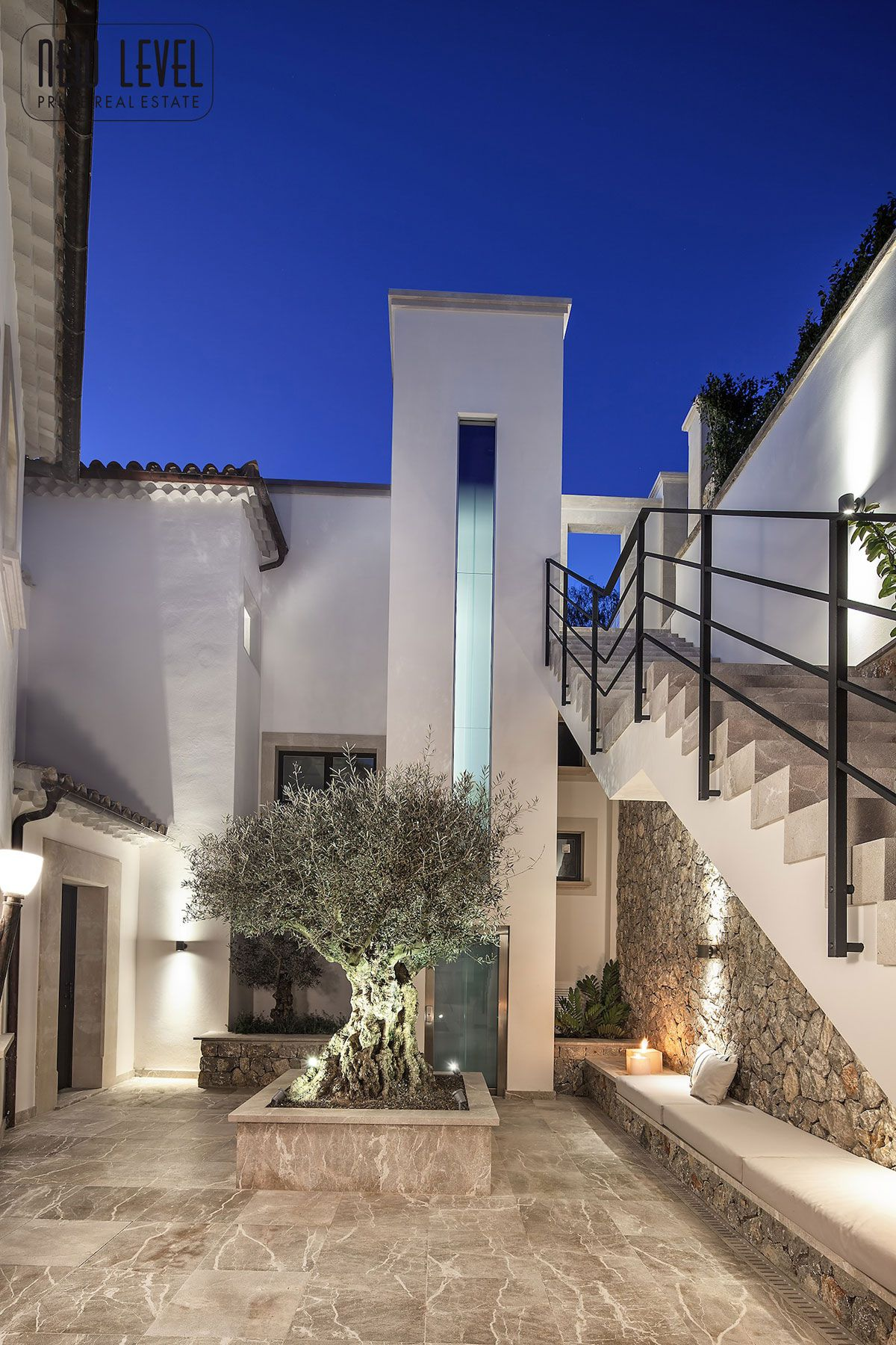 Luxury Villa With Fantastic Views Over the Hills of Mallorca-22