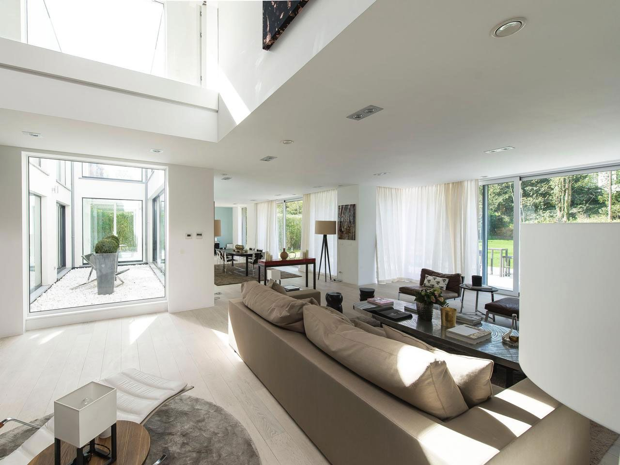 Magnificent Property in Uccle-Belgium-05
