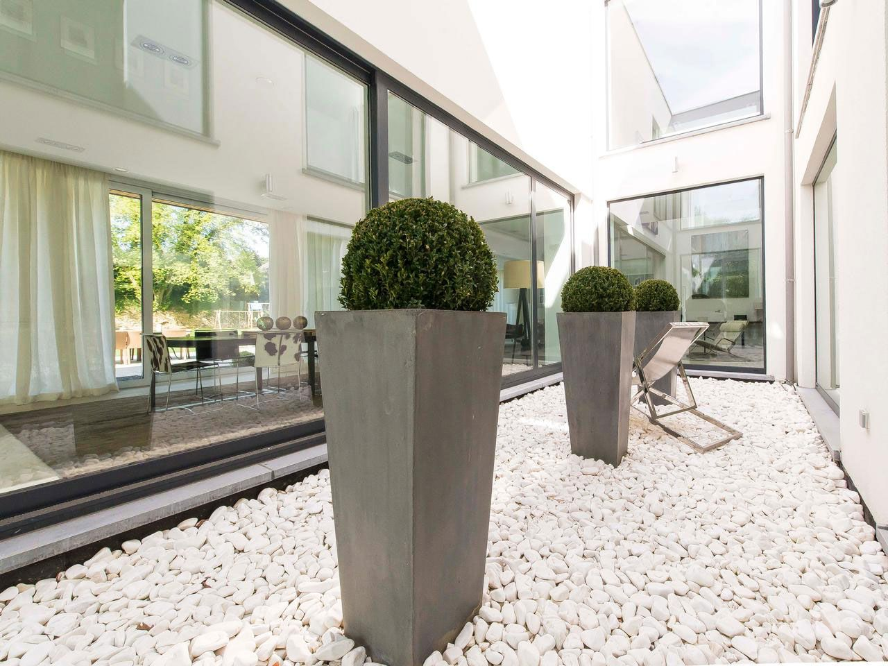 Magnificent Property in Uccle-Belgium-08