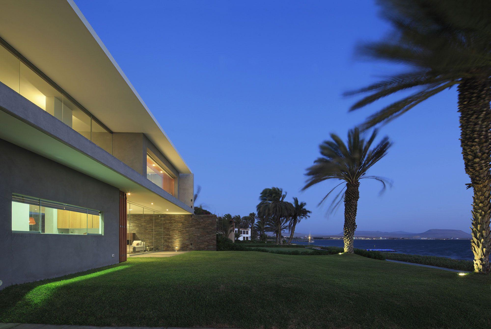 Mar de Luz House by Oscar Gonzalez Moix-35