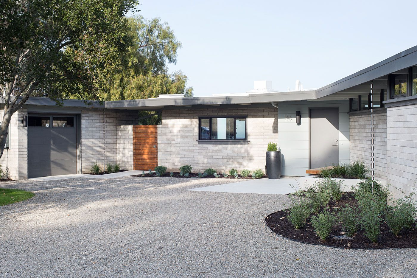 Mid-Century-Modern-View-House-Remodel-03