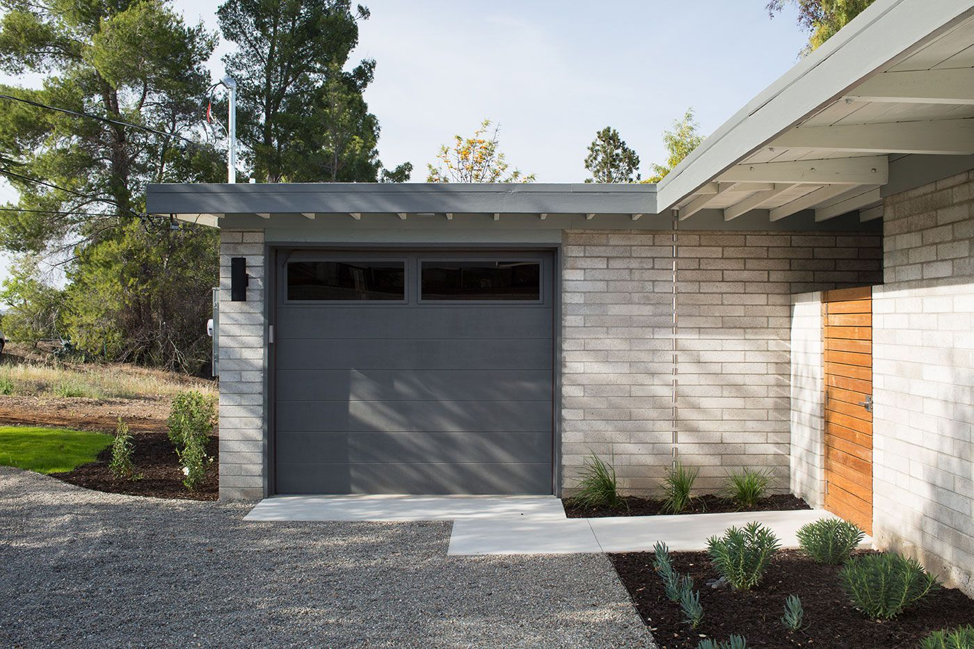 Mid-Century-Modern-View-House-Remodel-04
