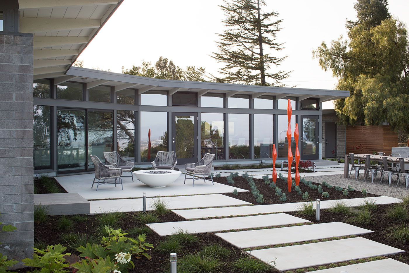 Mid-Century-Modern-View-House-Remodel-08