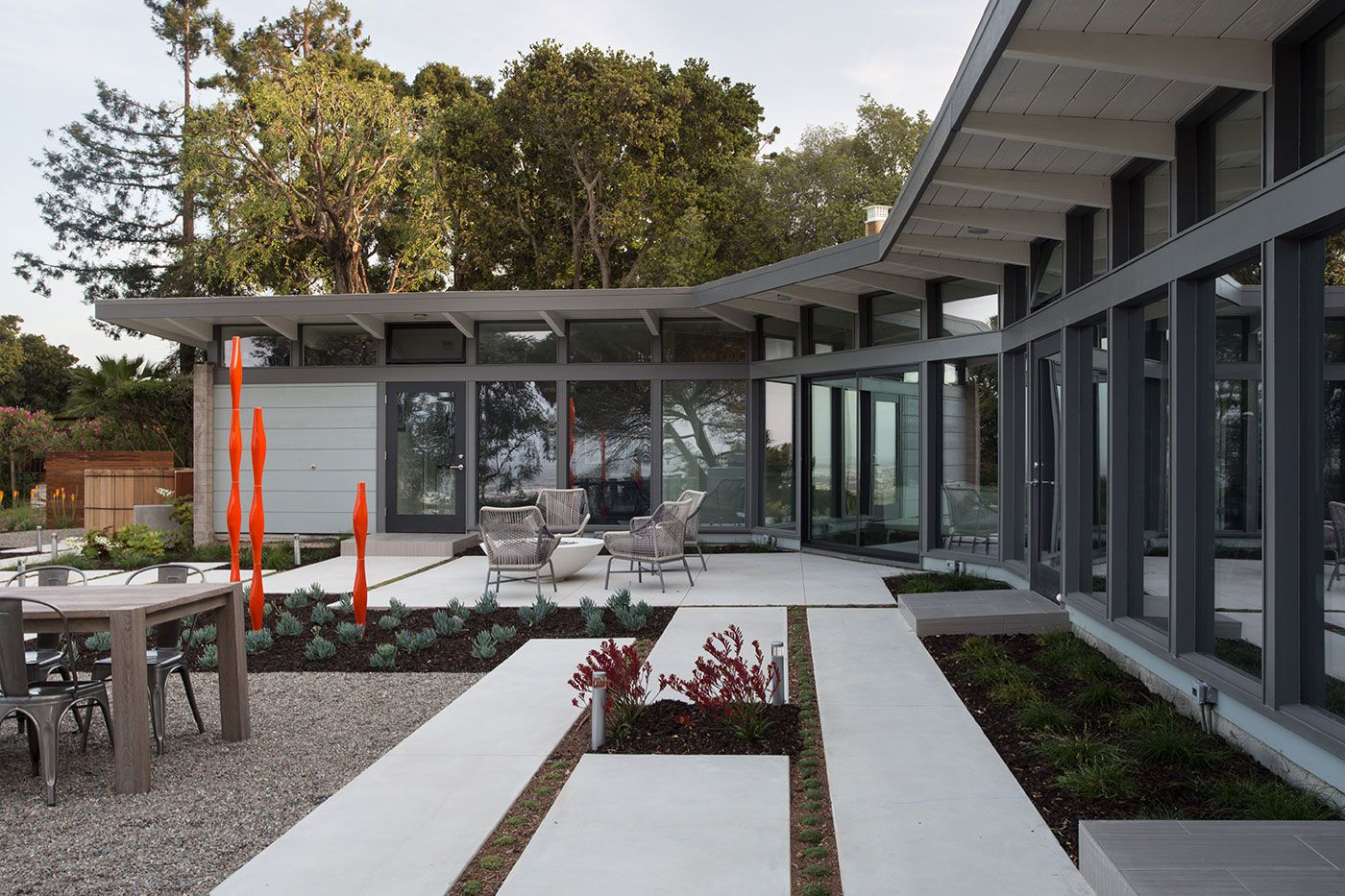 Mid-Century-Modern-View-House-Remodel-09