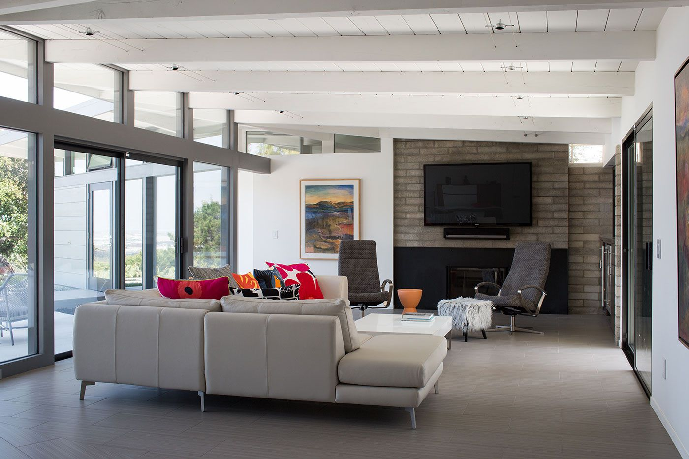 Mid-Century-Modern-View-House-Remodel-10