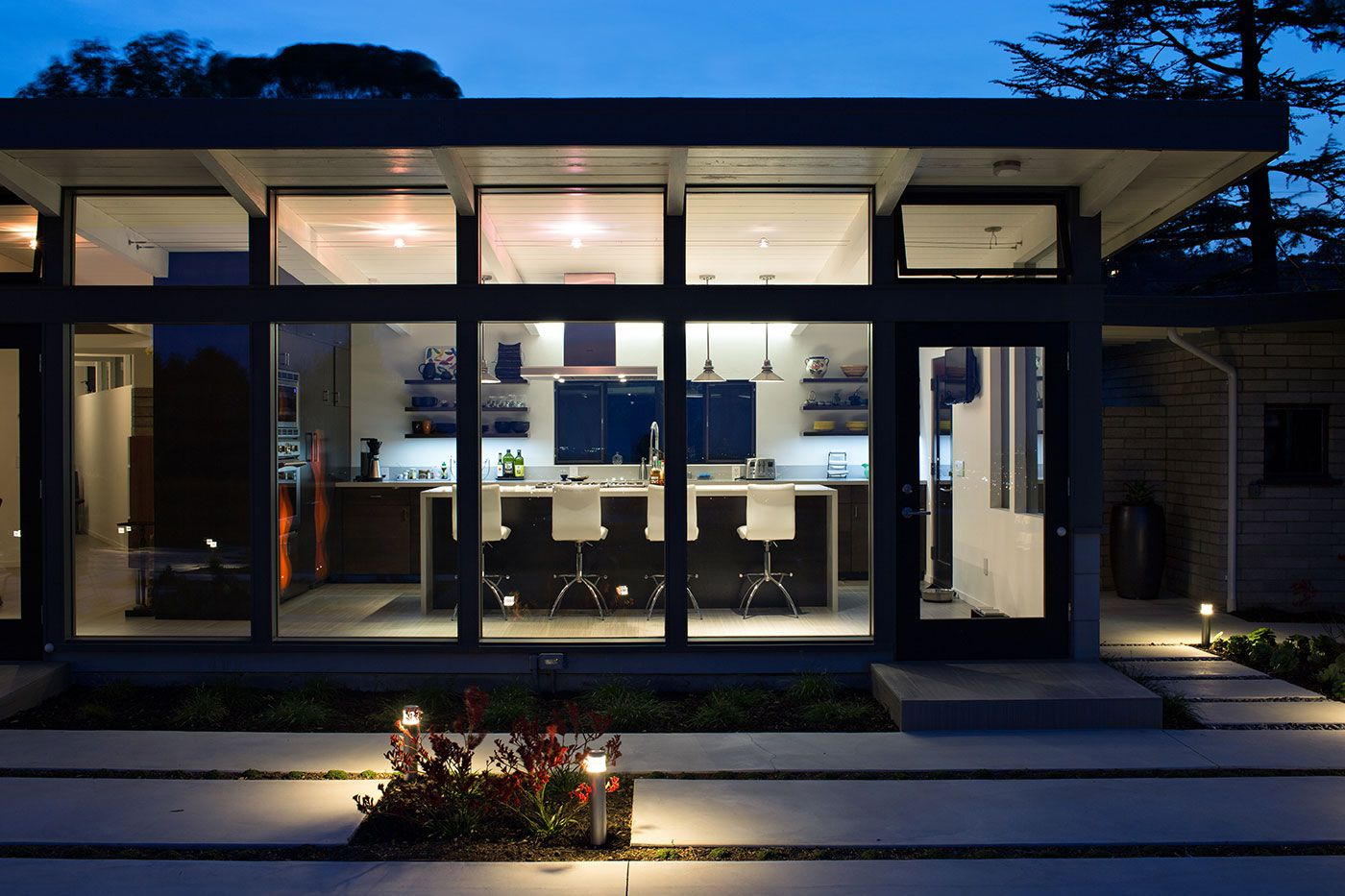 Mid-Century-Modern-View-House-Remodel-22
