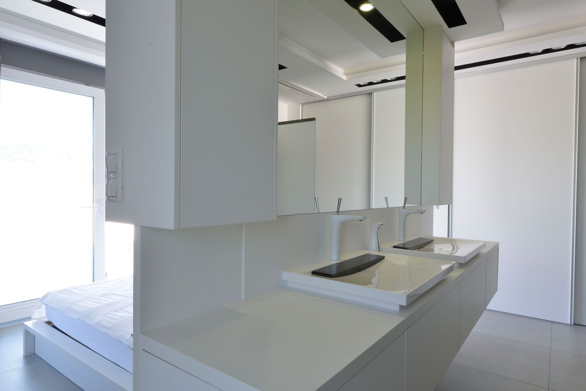 Minimalist-Penthouse-13