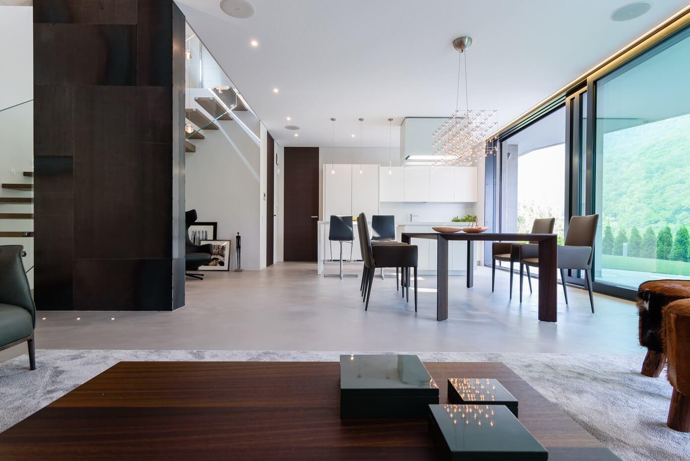 Modern lifestyle residence by arredamenti bernasconi for Arredamenti loft