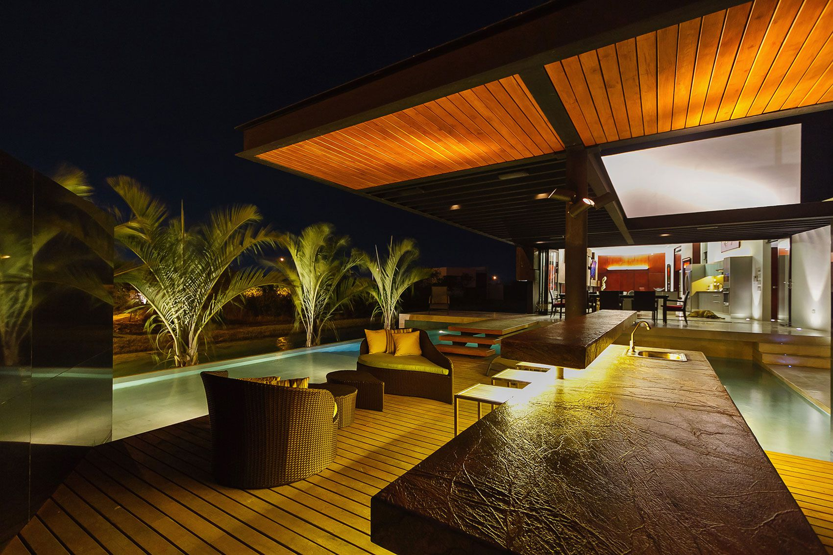 PL2 Luxury House-13
