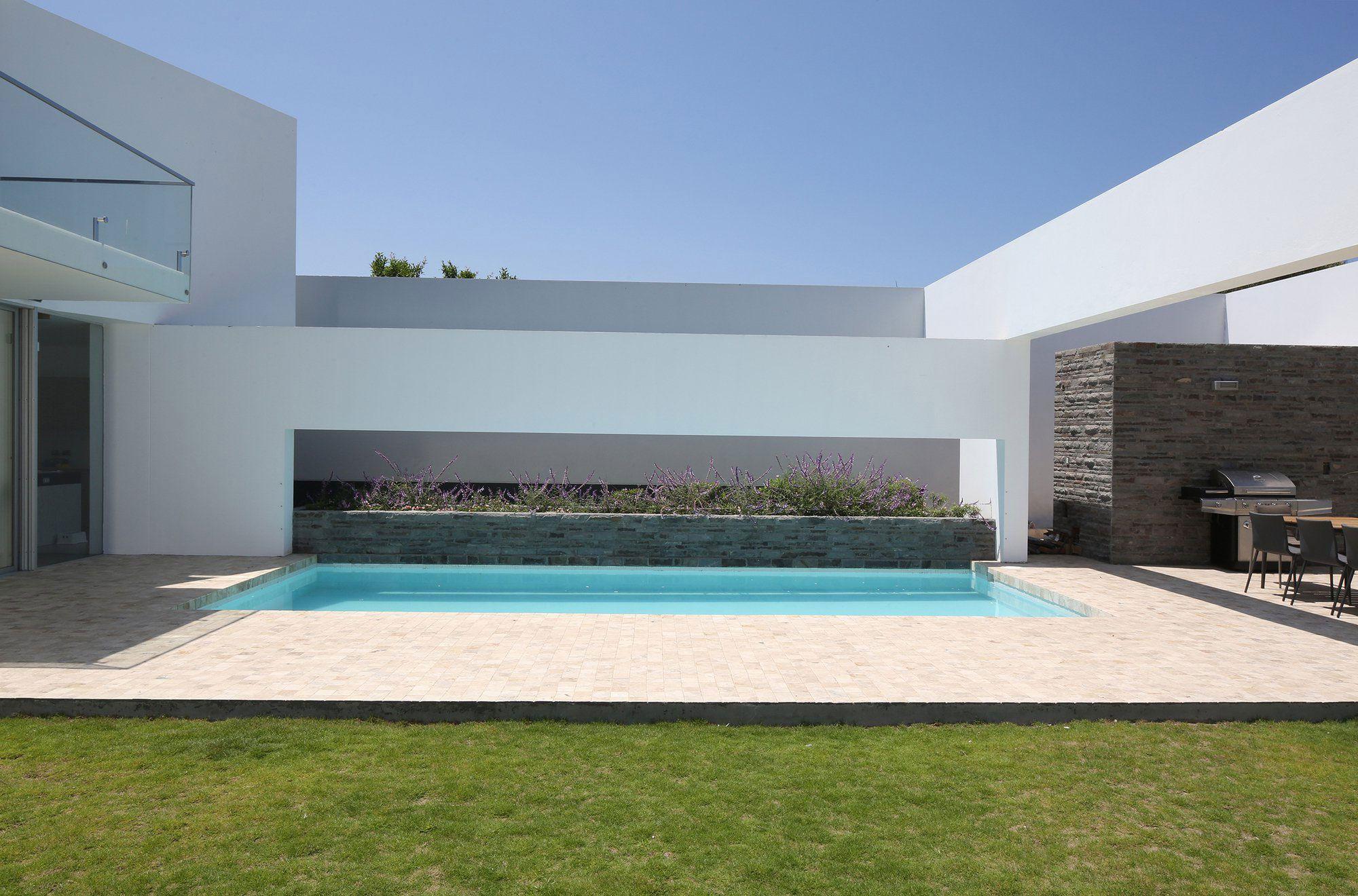 Patios-House-01