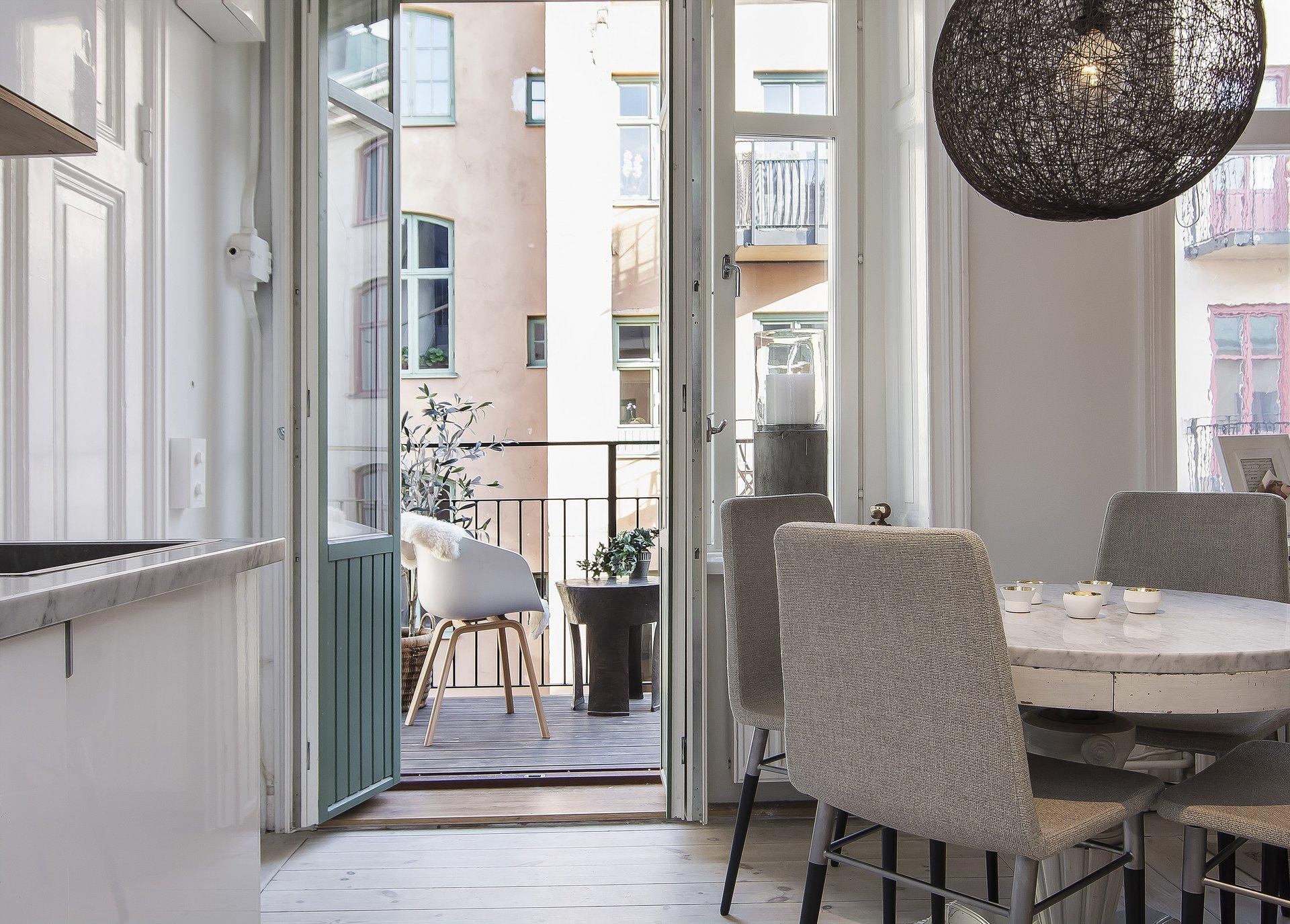 Small Stylish Loft in Stockholm-12