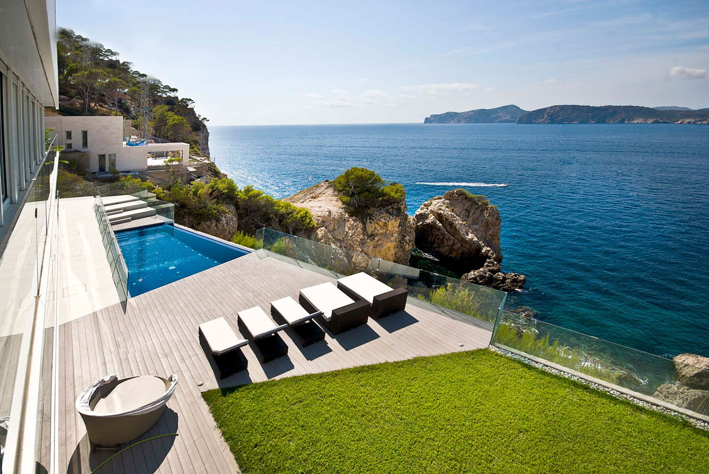 Stunning Ultramodern Meditetranian Villa Gold in Mallorca-02