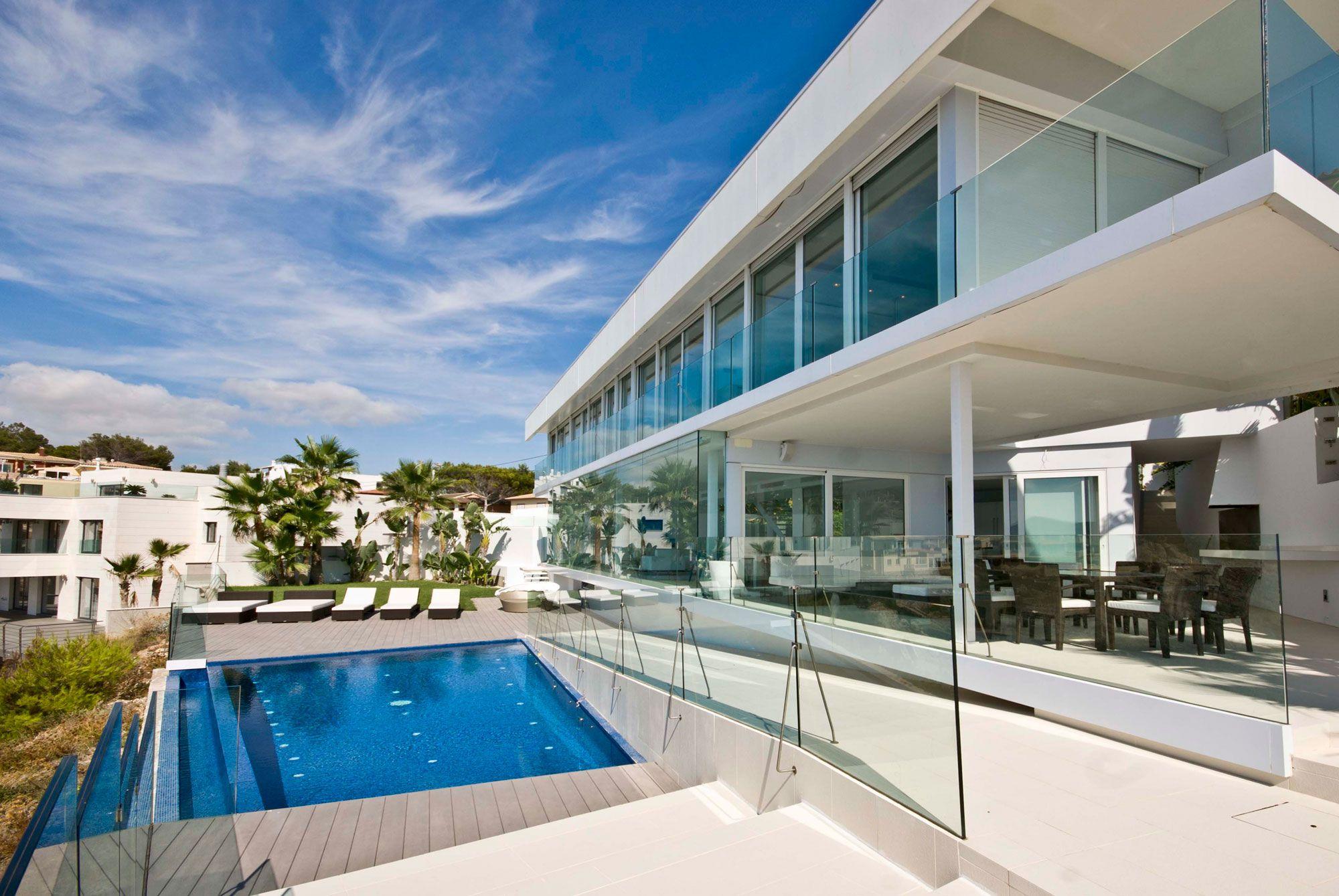 Stunning Ultramodern Meditetranian Villa Gold in Mallorca-04