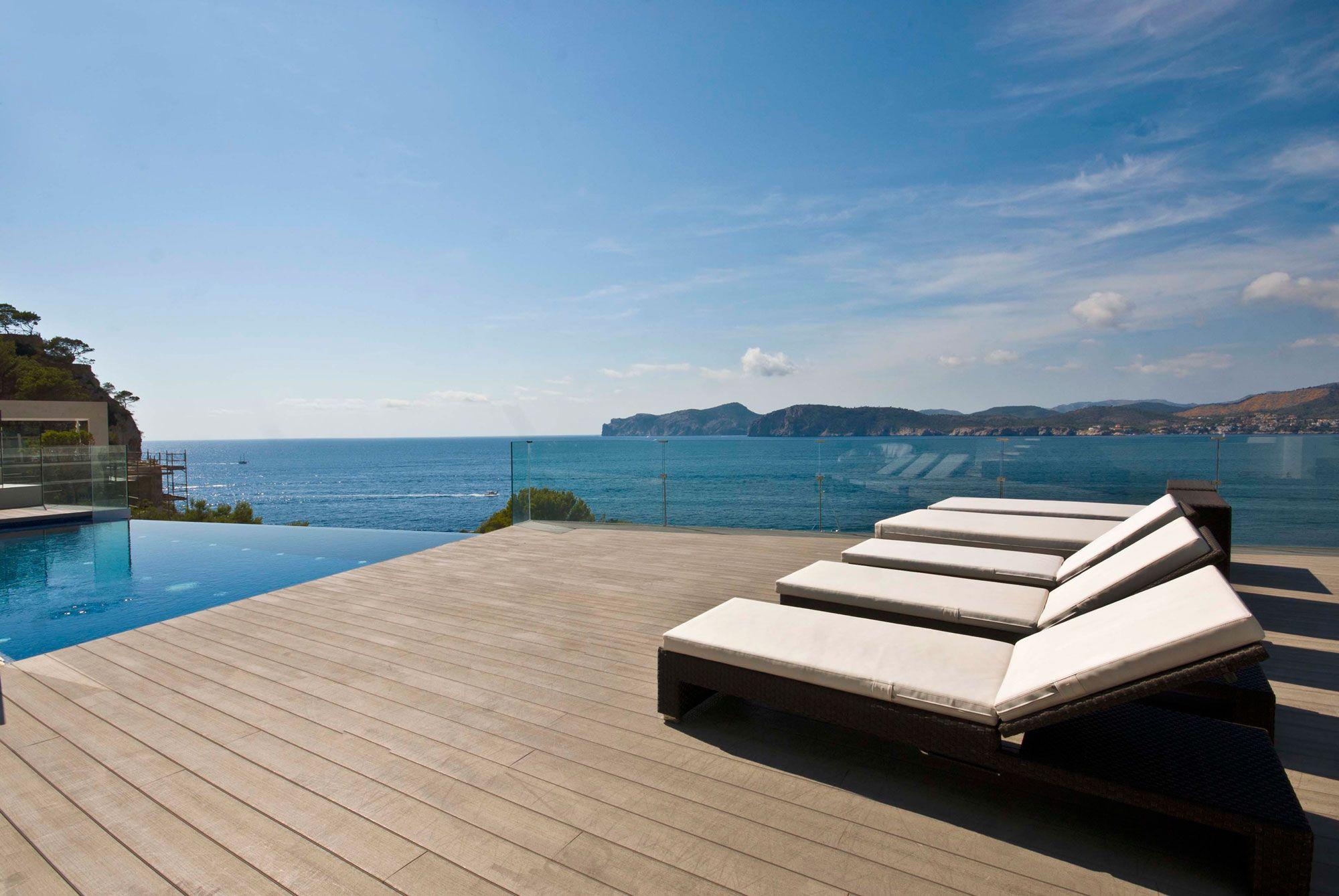 Stunning Ultramodern Meditetranian Villa Gold in Mallorca-06
