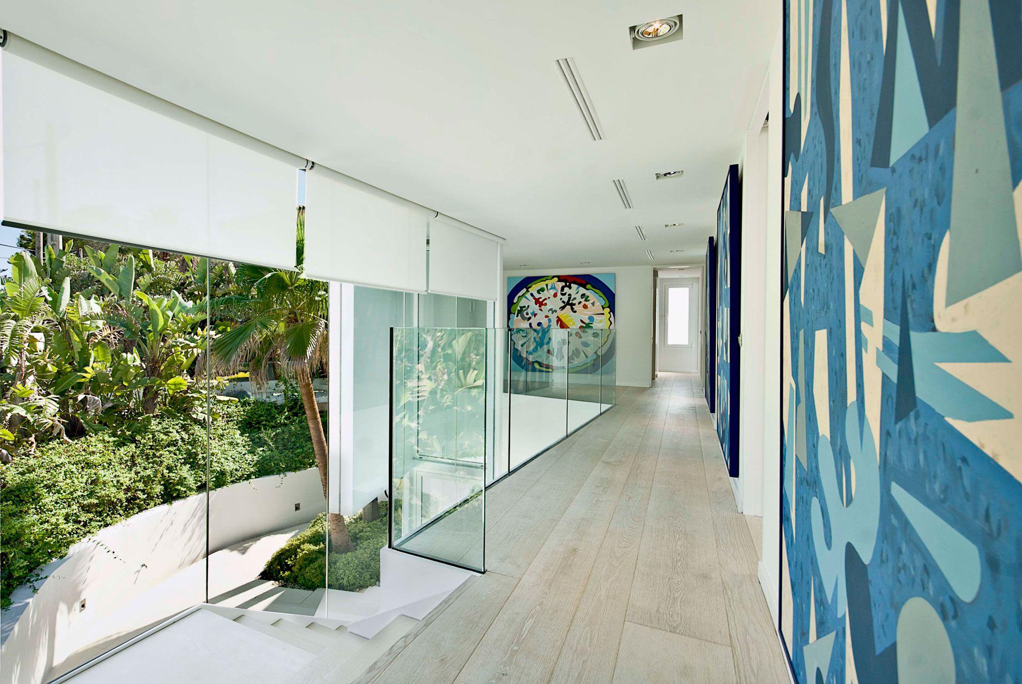 Stunning Ultramodern Meditetranian Villa Gold in Mallorca-15