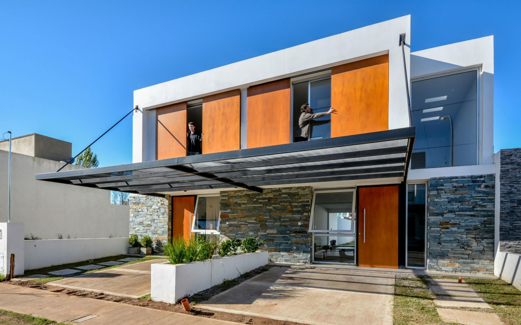 Terraced Houses by Estudio A+3