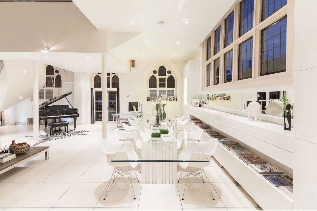 The Church Conversion into an Contemporary Ultramodern Residence-09