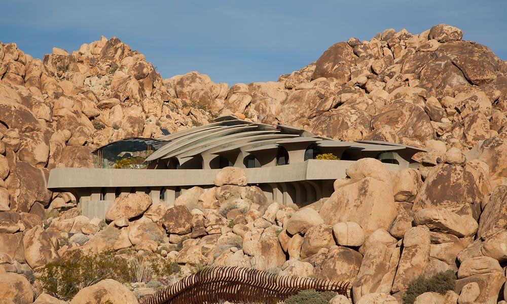 The-Desert-House-01