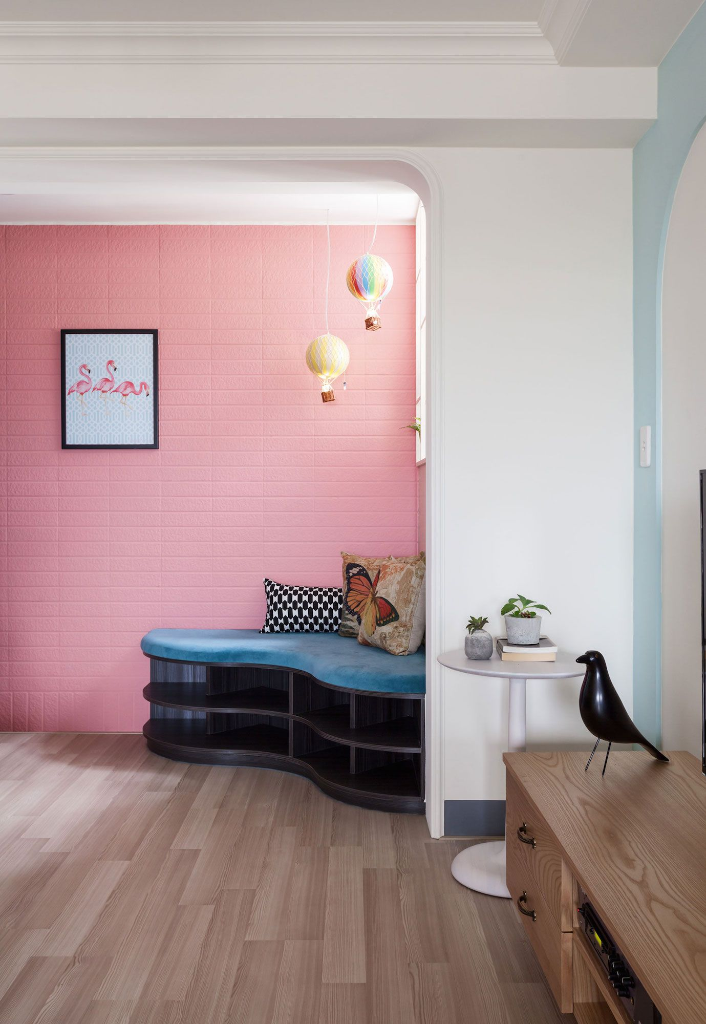 The-Wonderland-Apartment-04