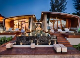 Ultramodern Iniala Luxury Beach House by A-cero