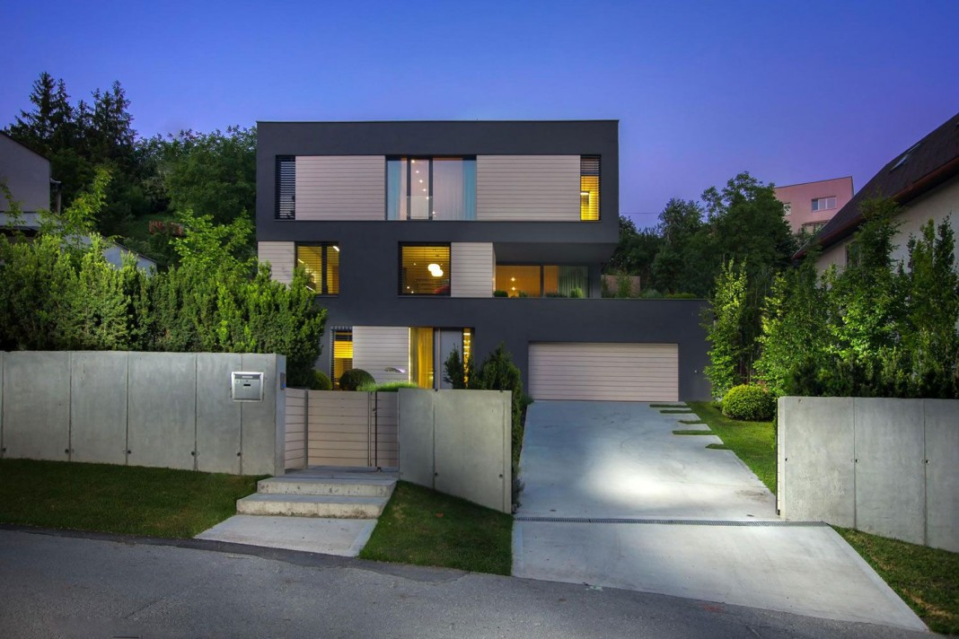 Villa M by Architektonicke Studio Atrium
