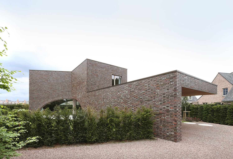 Villa Moerkensheide by Dieter De Vos Architecten-01