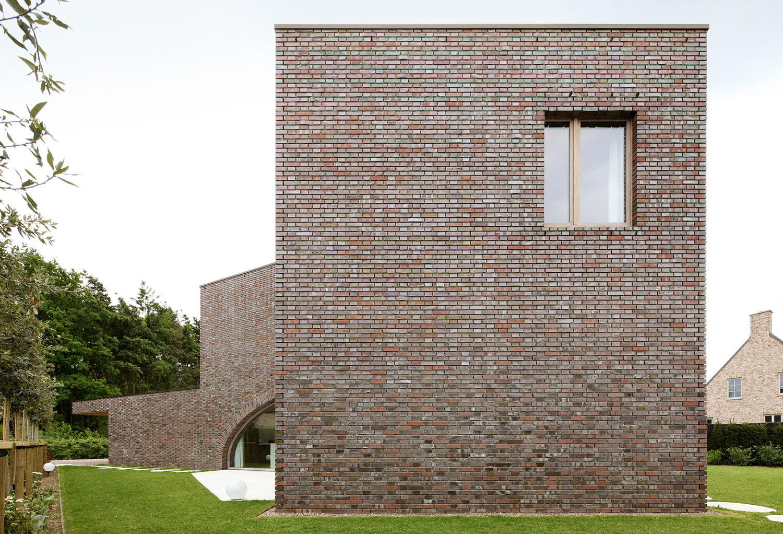 Villa Moerkensheide by Dieter De Vos Architecten-02