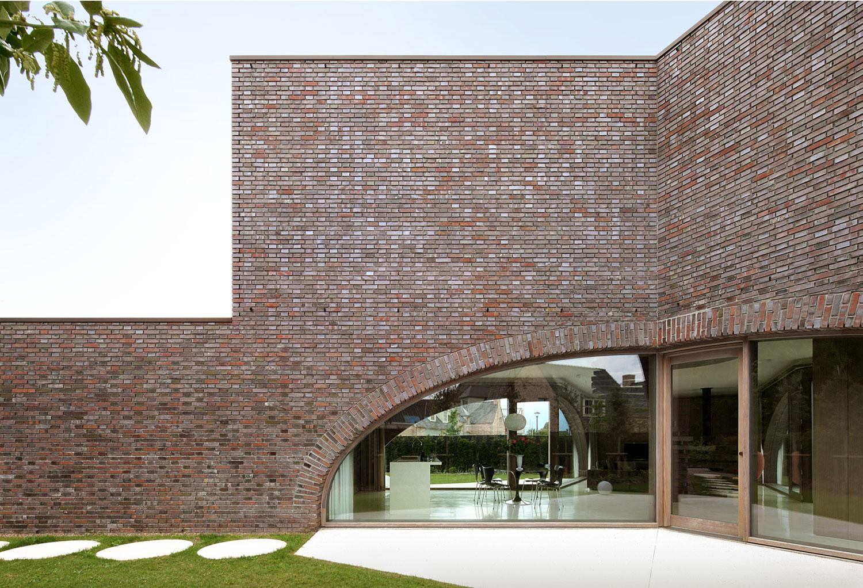 Villa Moerkensheide by Dieter De Vos Architecten-05