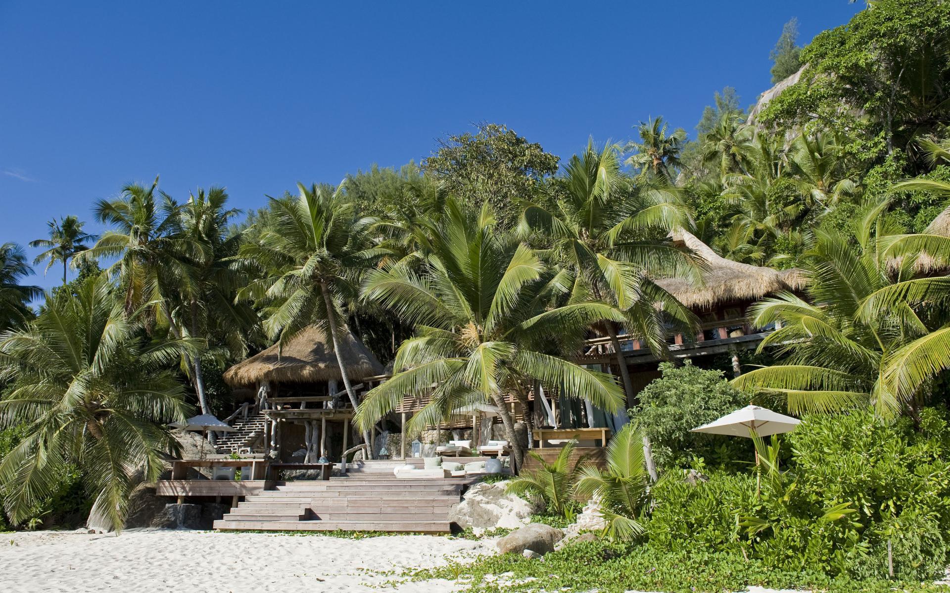 Villa North Island in Seychelles-02