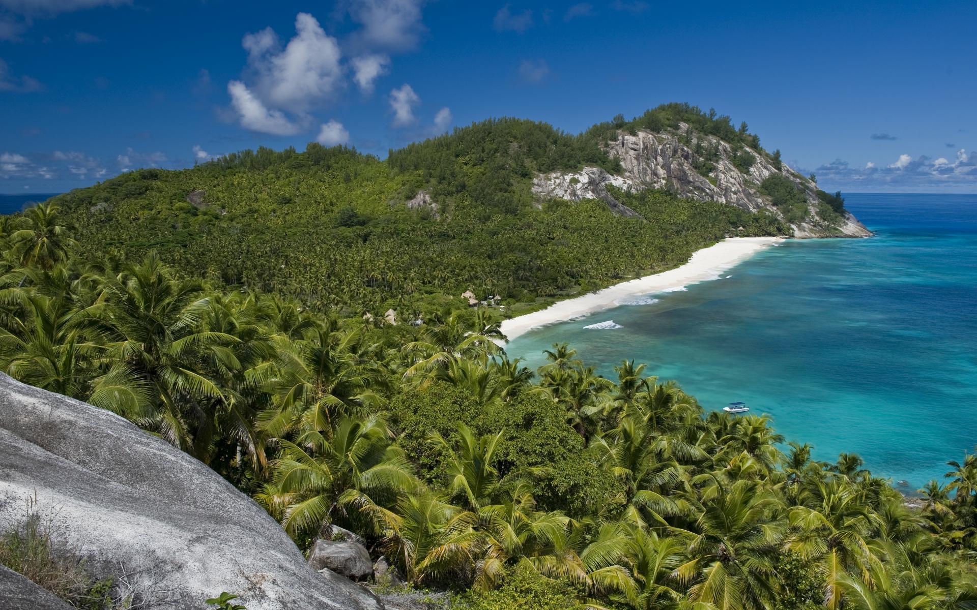 Villa North Island in Seychelles-06