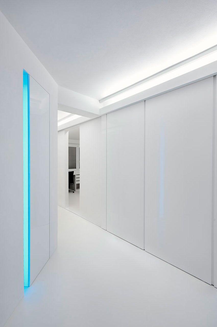 White-Apartment-01