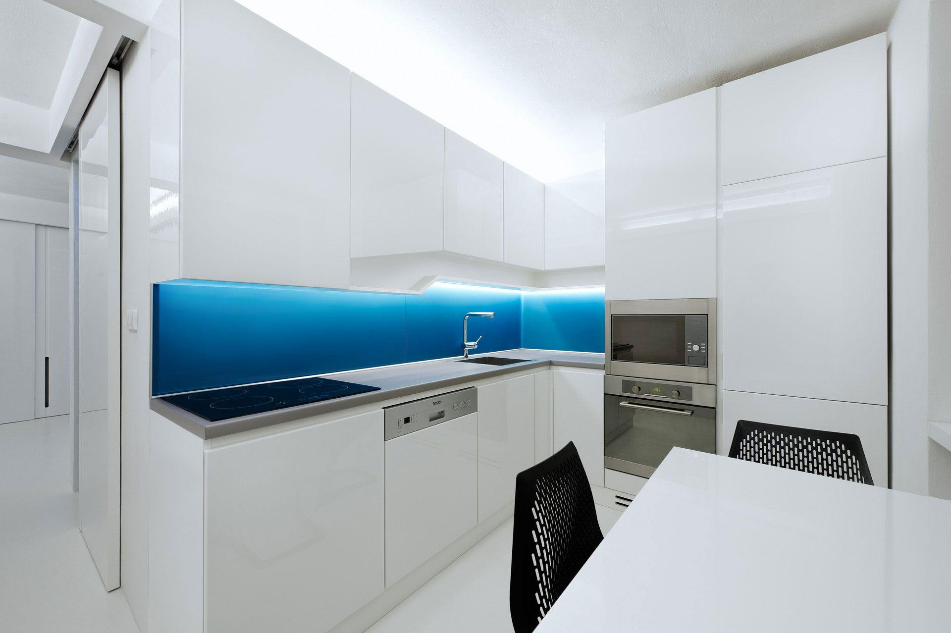 White-Apartment-08