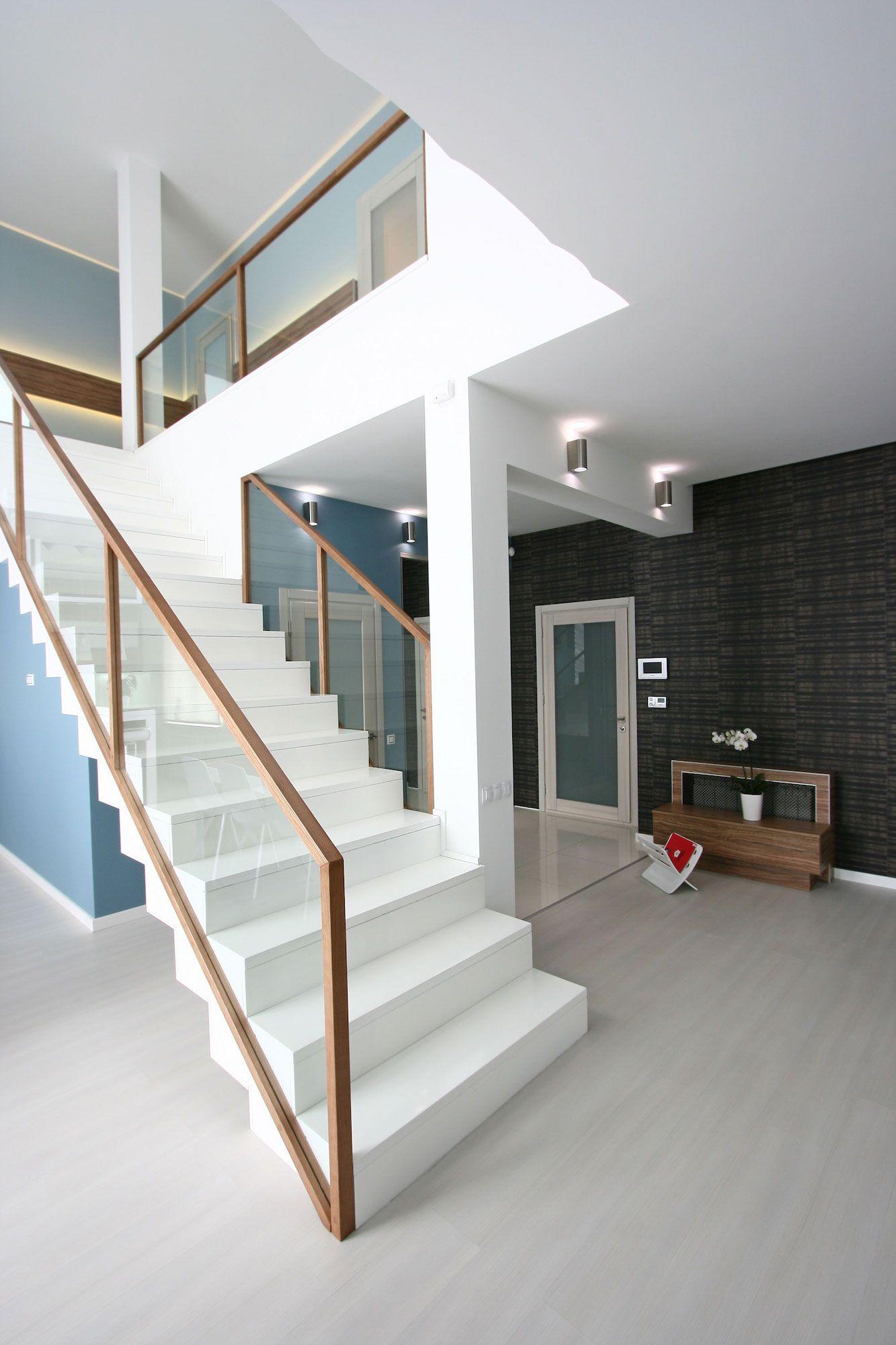 White SVOYA Studio-12