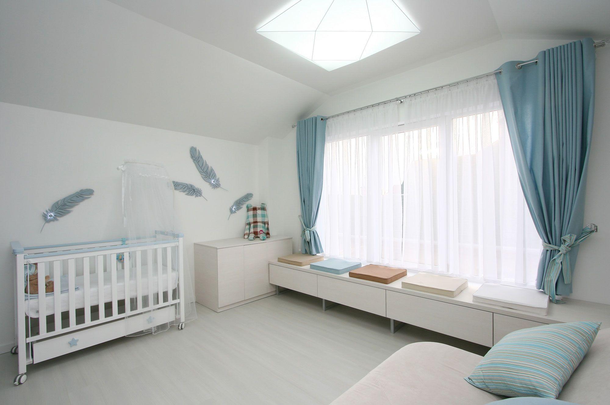 White SVOYA Studio-15
