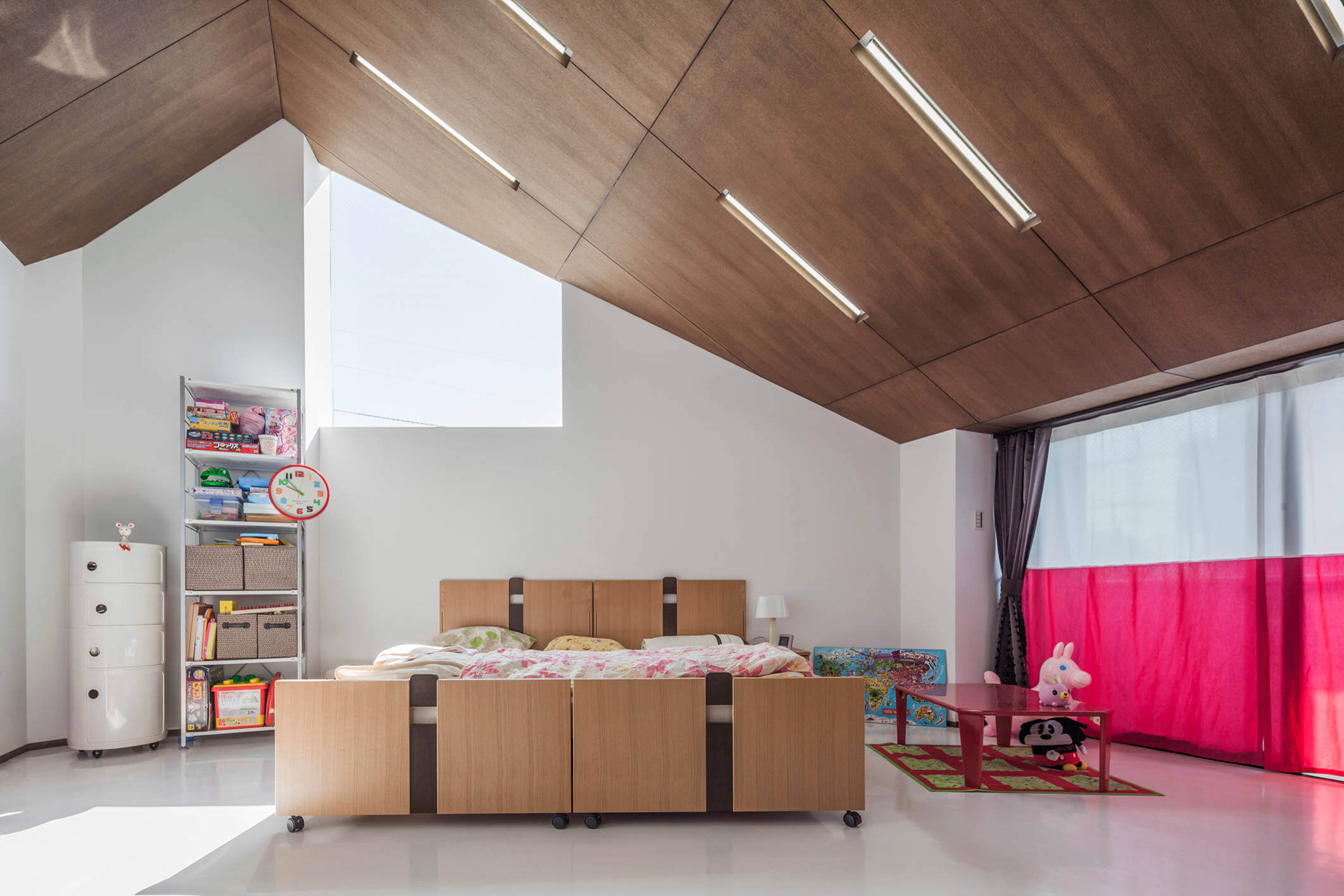futuristic-house-zoya-design-office-11