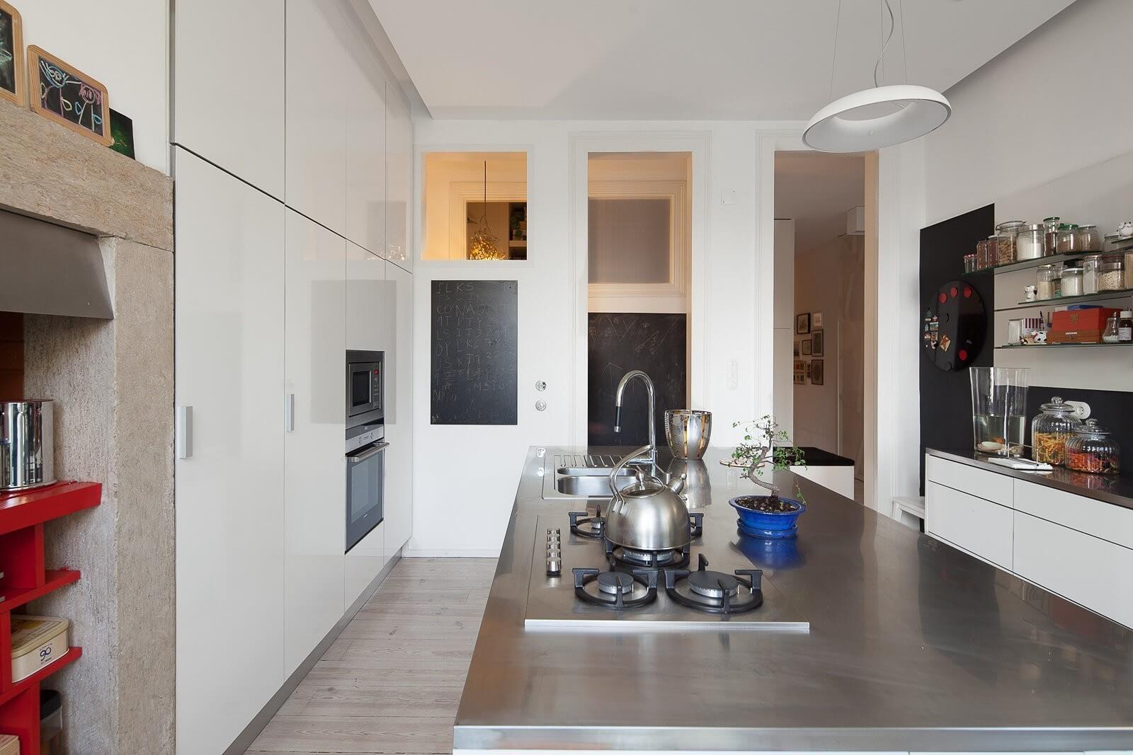 loft-lisbon-atelier-veloso-architects-21